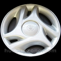 "2000-2006 Toyota Tundra hubcap 16"" #42621-AF010"